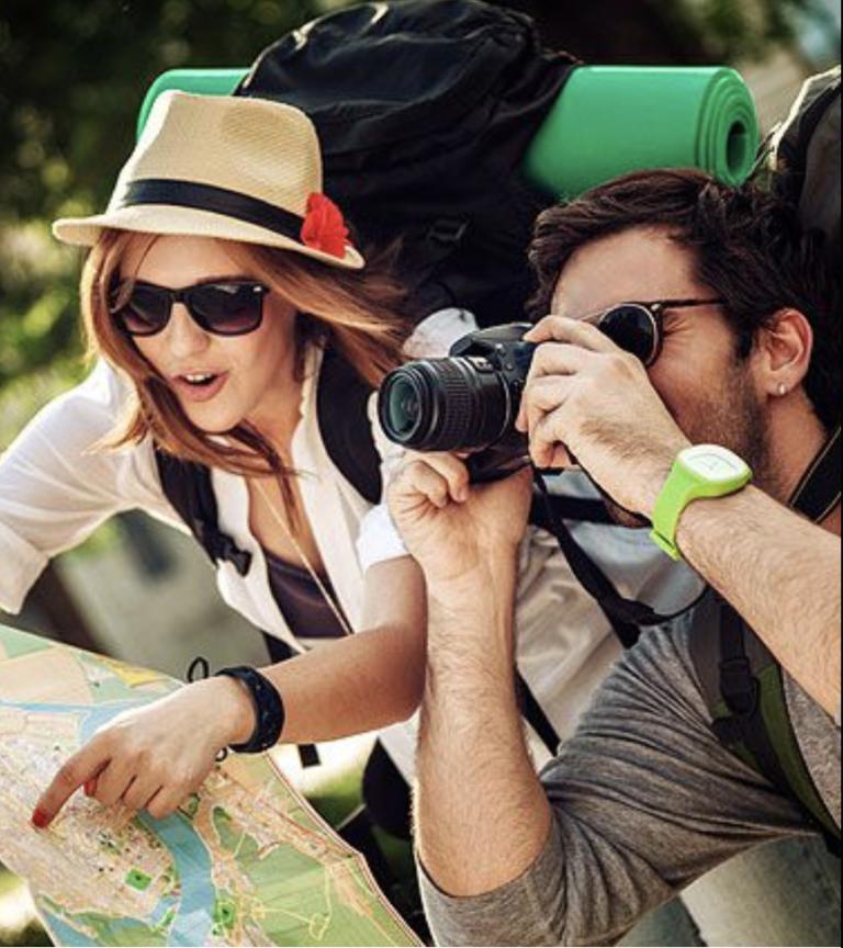 นักท่องเที่ยวที่เข้ามาพักอาศัยตามแหล่งท่องเที่ยว หรือในเมือง